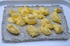 Prăjitură cu mac, cocos și cremă de vanilie • Gustoase.net Romanian Desserts, Pineapple, Dessert Recipes, Mac, Fruit, Foods, Food Food, Pinecone, Pine Apple