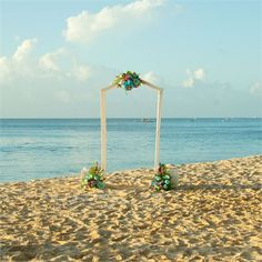 Piers and Danielle's Barbadian beach wedding #hitchedrealwedding