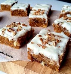 Healthy White Chocolate Carrot Cake Blondie Bars Yields 16 bars! Per bar: Only 121 calories!! Weight Watchers: 3 ProPoints|PointsPlus PER Blondie! BARS: 1 cup (90g) rolled oats 1 cup (140g) plain unbleached whole wheat flour (spelt or all purpose are fine) 1/4 cup (50g) firmly packed brown sugar 4 tablespoons granulated sweetener/sugar of choice 6...Read More »