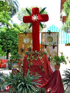 Mes de mayo, mes de.las.flores,de los patios y las cruces hechas con flores. Córdoba