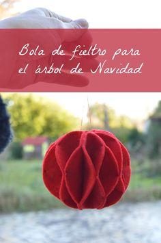 Bola para el árbol de Navidad de fieltro   Elenarte