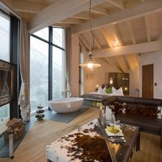 Situated near the gondola, Hotel Matterhorn Focus in Zermatt is a luxury design hotel. Hotel Matterhorn Focus offers luxurious rooms & suites and a spa. Hotel Room Design, Interior Windows, Floor To Ceiling Windows, Loft Spaces, Apartment Therapy, Interior Architecture, Beautiful Homes, Modern Design, Bedroom Decor