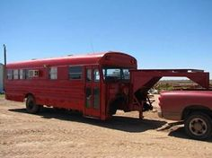 Craigslist Find: The Most Genius Use For An Old School Bus Ever – Conversion Trailer Greatness School Bus Tiny House, School Bus Camper, Old School Bus, Converted School Bus, Rv Bus, School Buses, Bus House, School Bus Conversion, Camper Conversion