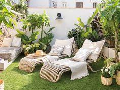 Une terrasse parfaitement aménagée à lesprit nature - PLANETE DECO a homes world Outdoor Furniture Sets, Decor, Furniture, Outdoor Decor, Patio Decor, Outdoor Furniture, Home Decor, Small Balcony, Small Patio Decor