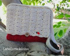 Such a cute #Crochet #Messenger #Bag  by @BelleMadeleine on #Etsy Sweet #ladybug too :)
