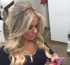 Topete com cachos, inspiração! #blond