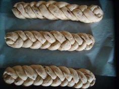 Rezept: Oster - Striezel Bild Nr. 4 Hot Dog Buns, Hot Dogs, Aperol, Bread, Food, Almonds, Play Dough, Bakken, Recipies