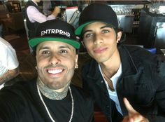 Nicky jam y Erick Brian Colon, Puerto Rican Singers, Latin Music, Daddy Yankee, Funny Me, Record Producer, American Singers, Beautiful Men, Rapper