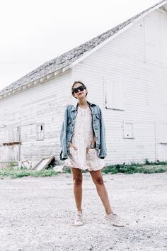 Collage_Vintage_On_The_Road-Idaho-Floral_Dress-Denim_Jacket-Urban_Outfitters-Levis-Outfit-Twin_Falls-26