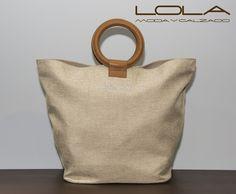 Llena tus bolsos de vida, llena tu vida de bolsos.  Pincha este enlace para comprar tu bolso en nuestra tienda on line:  http://lolamodaycalzado.es/primavera-verano/529-bolso-de-verano-textil-swarovski-beige-unisa.html