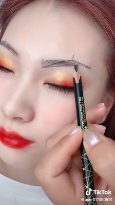 Eyebrow Makeup Tips, Makeup Tutorial Eyeliner, Makeup Looks Tutorial, Eye Makeup Steps, Contour Makeup, Makeup Videos, Skin Makeup, Eyeshadow Makeup, Perfect Eyebrows Tutorial