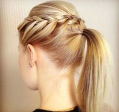 The messy ponytail's been done. It's time to try a braided ponytail. Pore over the 30 prettiest braided ponytail hairstyles, all perfect for work or play. Braided Ponytail Hairstyles, Pretty Hairstyles, Braid Ponytail, Plait Braid, Vog Coiffure, Pelo Midi, Looks Cool, Hair Day, Hair Hacks