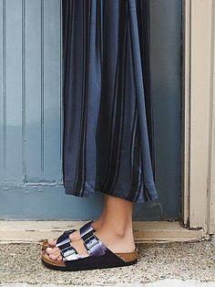 Dress up your feet with Free People's beautiful sandals. Pick a pair of Birkenstock, beach shoes or fringe sandals that is stylish and super comfortable. Black Birkenstock, Birkenstock Outfit, Birkenstock Arizona, Cork Sandals, Fringe Sandals, Sock Shoes, Shoe Boots, Shopping, Zapatos