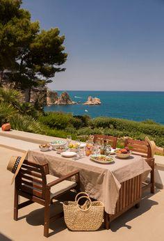 Lazy Days à Scopello, Sicile European Summer, Italian Summer, Italian Beach, Beautiful Places To Travel, Romantic Travel, Summer Dream, Summer Days, Northern Italy, Travel Aesthetic