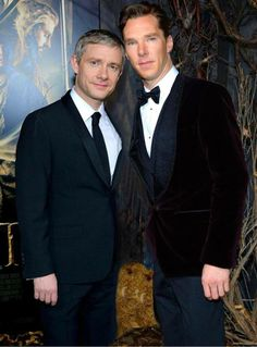 "The Hobbit LA Premier, or John and Sherlock go on a fancy ""non-date"" (""bowties are cool, jawn."")"