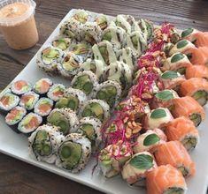 sassyshimi Cute Food, I Love Food, Good Food, Yummy Food, Healthy Eating Meal Plan, Food Porn, Sushi Recipes, Catering, Food Goals