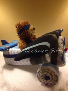 Diaper Cake Airplane choose your colors by NicasOccasionGifts Baby Shower Themes, Baby Boy Shower, Shower Ideas, Baby Shower Gifts, Diaper Cake Boy, Nappy Cakes, Diaper Crafts, Baby Crafts, Unique Diaper Cakes
