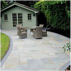 63 New Ideas Concrete Slab Patio Makeover Natural Stones Concrete Patios, Patio Slabs, Patio Stone, Back Garden Design, Patio Design, Diy Patio, Backyard Patio, Patio Ideas, Garden Ideas