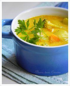 Le soleil sur commande... Une délicieuse soupe de légumes au curry, synonyme de saveurs chaudes et réconfortantes pour les papilles. Une soupe couleur sole