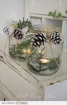 Christmas in a jar. Perfect for a winter/Christmas table Christmas Lanterns, Noel Christmas, Country Christmas, Winter Christmas, Christmas Crafts, Elegant Christmas, Cottage Christmas, Beautiful Christmas, Natural Christmas