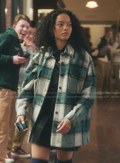 Other Outfits, Latest Outfits, Fashion Outfits, Plaid Jacket, Green Jacket, Gossip Girl Episodes, Gossip Girl Outfits, Fur Lined Boots, Oversized Jacket