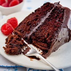 Super Moist Chocolate Mayo Cake made with real ingredients like eggs and oil. Best Foods Mayonnaise sure adds moistness and richness to this cake recipe!