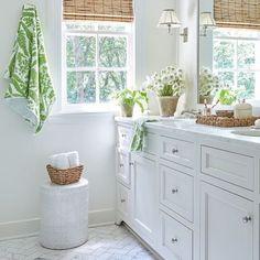 Bathroom renovation inspo!! #bathroom #white #clean #interiordesign #home #design #whitecabinets