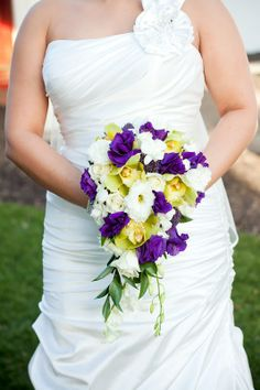 Bouquet by Holly with Posy Floral Designs Photo by the Married Photogs
