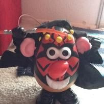 STAR WARS MR. POTATO HEAD HAS OUTFIT SWORD IN GREAT SHAPE please SHARE MY LISTING THANK YOU IN ADVANCE