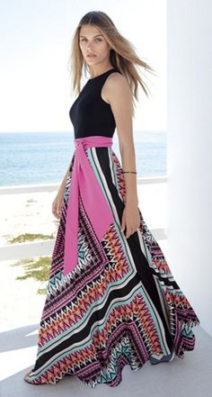 Heading south for the winter? This gorgeous maxi dress is perfect for the beach!