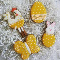 Набор ✔2 4 пряника в коробке-1500тг. Бронировать можно до 18го апреля. 〰〰〰〰 Все пасхальные можно посмотреть здесь #gbvika_easter2016  〰〰〰〰 #имбирныепряники #пряники #козули #сладкийстол #candybar #cookies #royalicing #казахстан #павлодар  #pvl #love