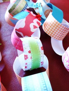 Paper Chain for deployment countdown - make from fun scrapbook papers!