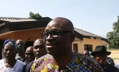 Fayose tackles Buhari over comment on judiciary   The Ekiti State Governor Ayodele Fayose has berated President Muhammadu Buhari for his criticisms of the countrys judiciary saying the President should respect the principles of separation of powers.  In a statement by his Special Assistant on Public Communications and New Media Lere Olayinka on Monday Mr. Fayose advised President Buhari to allow the judiciary to do its job.  He said the president should obey court orders and focus on proper…
