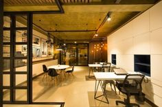 Taipas Real Estate Offices by Salamanca Arquitetos Toledo  Brazil