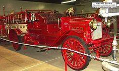 ... camion pompier fut fabriqué en 1915 carrosserie petit camion - moteur