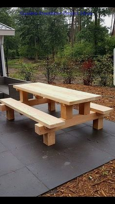 Cool picnic table made with posts Cool picnic table made with posts Related posts: Cooler Picknicktisch mit Pfosten – Easy sew table runner. How To Sew a Reversible Table Runner Super Genius Nützliche Tipps: Woodworking Table Wood Workshop für Woodworking Projects Diy, Diy Wood Projects, Furniture Projects, Garden Projects, Woodworking Plans, Garden Ideas, Woodworking Techniques, Wood Crafts, Furniture Movers