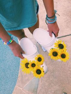 See more of freshvibezz's content on VSCO. Cute Shoes, Me Too Shoes, Pumped Up Kicks, Summer Aesthetic, Crocs Shoes, Mellow Yellow, White Girls, Retro, Flower Power
