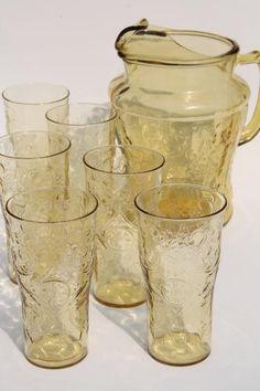 vintage glassware- amber, orange, and gold Pitcher Drinks, Glass Pitchers, Gold Glass, Vintage Glassware, Vintage Patterns, Lemonade, Madrid, Drinking, Amber