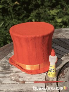 You too can make your very own DIY Willy Wonka hat, just like Gene Wilder's hat in the 1971 film version of Roald Dahl's Charlie and the Chocolate Factory