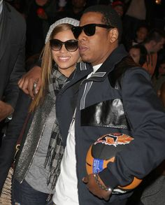 12 years. Beyonce and Grammy-winning rapper Jay-Z began dating in 2002, and they remained discreet about their relationship despite persistent rumors. The hip-hop couple made it official when Jay-Z wed his younger bride in 2008.