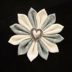 How to make fabric flowers Dreamstar Diary: Handmade Monday Week 11 - The Kanzashi Fabric Flower
