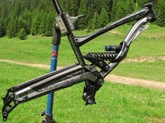 Lapierre's 2011 DH Bike Pendbox Suspension: In Detail And On Video! Metal Working, Bike, Detail, Google, Frame, Bicycle, Picture Frame, Metalworking, Bicycles