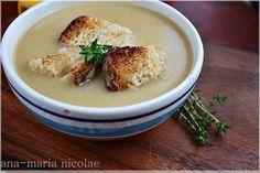 Supa-crema de usturoi copt