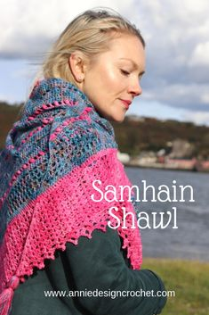 Samhain Shawl – crochet pattern – Annie Design Crochet available on Ravelry and Etsy. 2 skeins of yarn make this beautiful triangle shawl Samhain, Crochet Chart, Love Crochet, Crochet Poncho, Crochet Scarves, Shawl Patterns, Crochet Patterns, Crochet Ideas, Crochet Projects