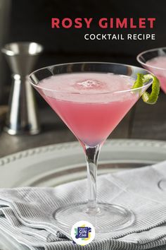 Rosé wine | Rose wine cocktail recipes | summer gin cocktails | pink gin cocktail recipes | refreshing summer drinks | martini | gimlet | classic cocktails Gin Gimlet, Gimlet Cocktail, Rose Cocktail, Gin Fizz, Pink Gin Cocktails, Pink Drinks, Wine Cocktails, Cocktail Drinks, Pink Martini