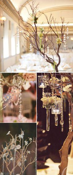Colgantes de cristal, decoración de bodas de interior de estilo chic y clásico.