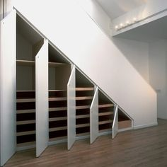Aedaafcdf Clever Storage Ideas Storage Under Stairs Ideas Clever Hidden Storage Solutions Ideas That Inspire - Interior Design Ideas & Home Decorating Inspiration - moercar Under Stairs Storage Solutions, Home Storage Solutions, Under Stair Storage, Shelving Solutions, Roof Storage, Closet Solutions, Space Under Stairs, Under Stairs Cupboard, Closet Under Stairs