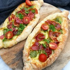 Pizza Snacks, Breakfast Meat, Dinner Rolls, Meal Planner, Mediterranean Recipes, Greek Recipes, Easy Cooking, Pesto, Food Inspiration