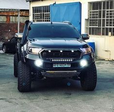 one word: awesome! Ford Pickup Trucks, 4x4 Trucks, Diesel Trucks, Lifted Trucks, Ford Ranger 2016, Ford Ranger Raptor, Ford Ranger Wildtrak, Hilux 2017, Ford Rapter