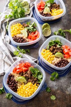Taco Meal Prep Bowls Easy taco meal prep bowls, with salsa verde beef and plenty of extras including corn, tomatoes, black beans, and cilantro Lunch To Go, Lunch Meal Prep, Meal Prep Bowls, Easy Meal Prep, Healthy Meal Prep, Healthy Snacks, Easy Meals, Healthy Eating, Healthy Recipes